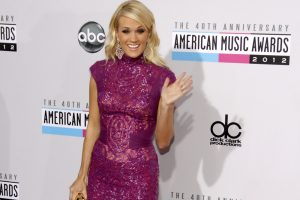 """Carrie Underwood Admits 2nd Pregnancy Is """"Harder on My Body"""""""