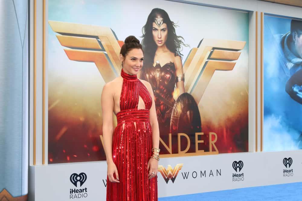 Gal Gadot Wishes Wonder Woman A Happy B Day