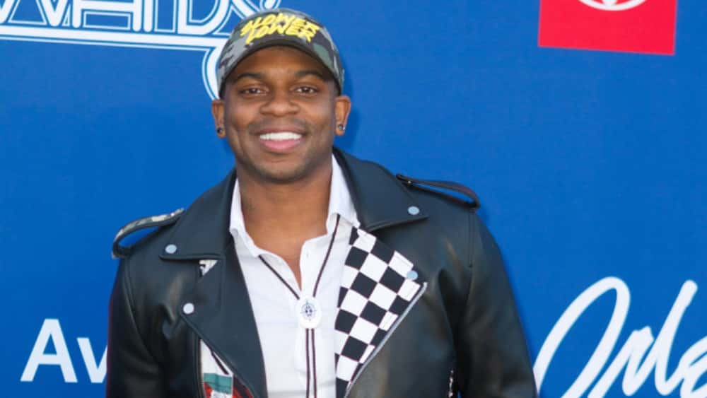 "Jimmie Allen's ""Best Shot"" Returns Back To Top Of The Charts"