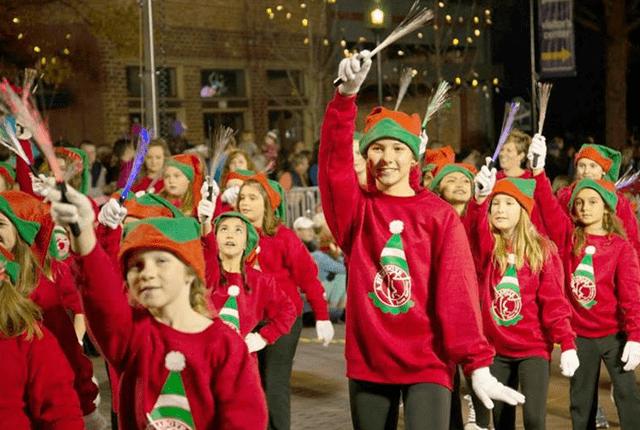 Neosho Christmas Parade 2020 2020 Neosho Christmas Parade | New Life Radio 105.3