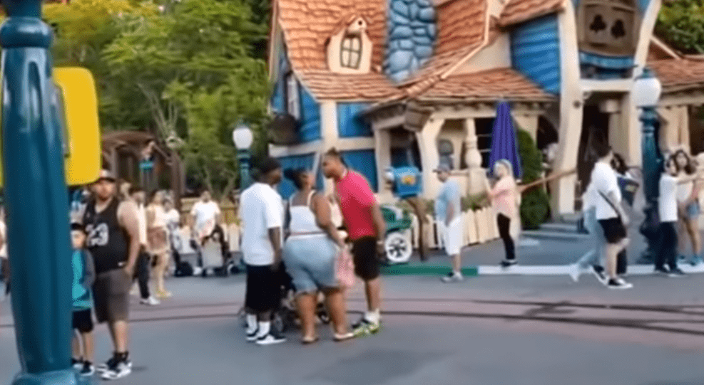 People about to fight at Disney's Toontown