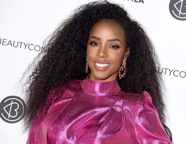 LOS ANGELES, CA - AUGUST 10: Kelly Rowland attends Beautycon Los Angeles 2019 Pink Carpet at Los Angeles Convention Center on August 10, 2019 in Los Angeles, California.
