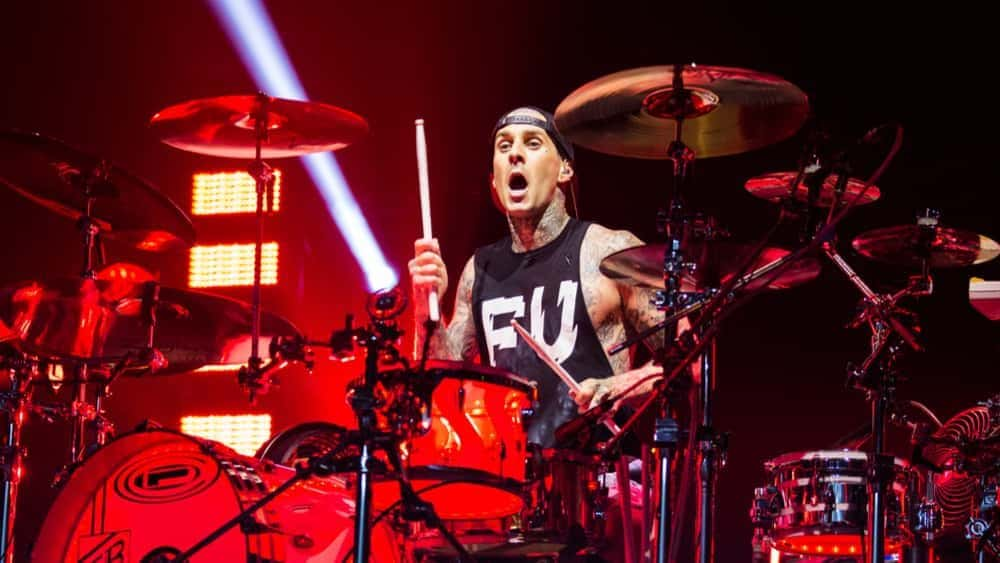 Watch Travis Barker And Machine Gun Kelly Cover Paramore's Misery Business