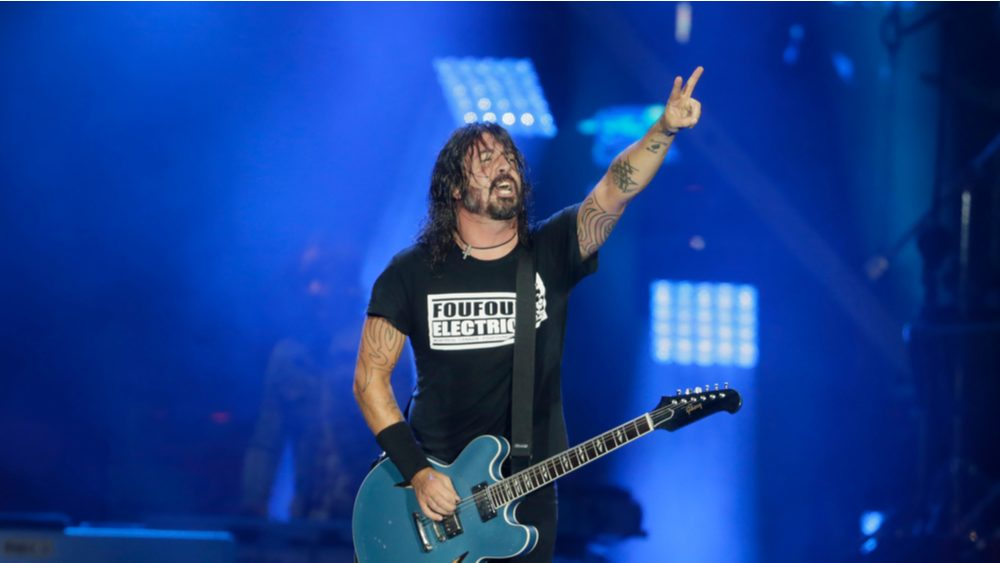 """Take A Look At Foo Fighters Playing Acoustic Set For """"Save Our Stages"""" Fundraiser"""