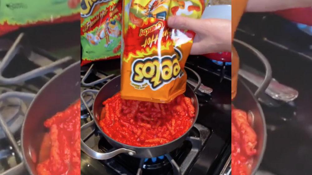 Flamin Cheetos Mac n Cheese