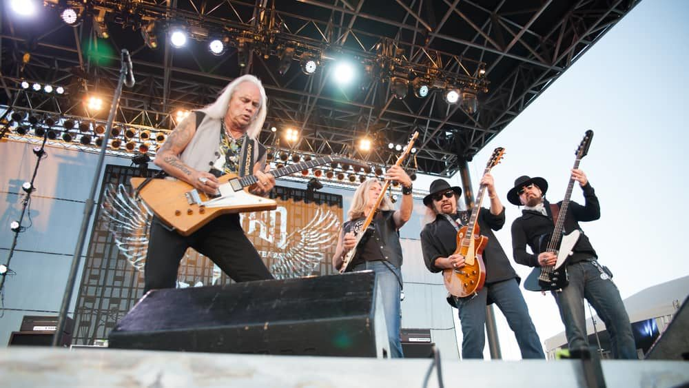 "Lynyrd Skynyrd, Brad Paisley to headline 2021 Pro Football Hall of Fame ""Concert for Legends"""