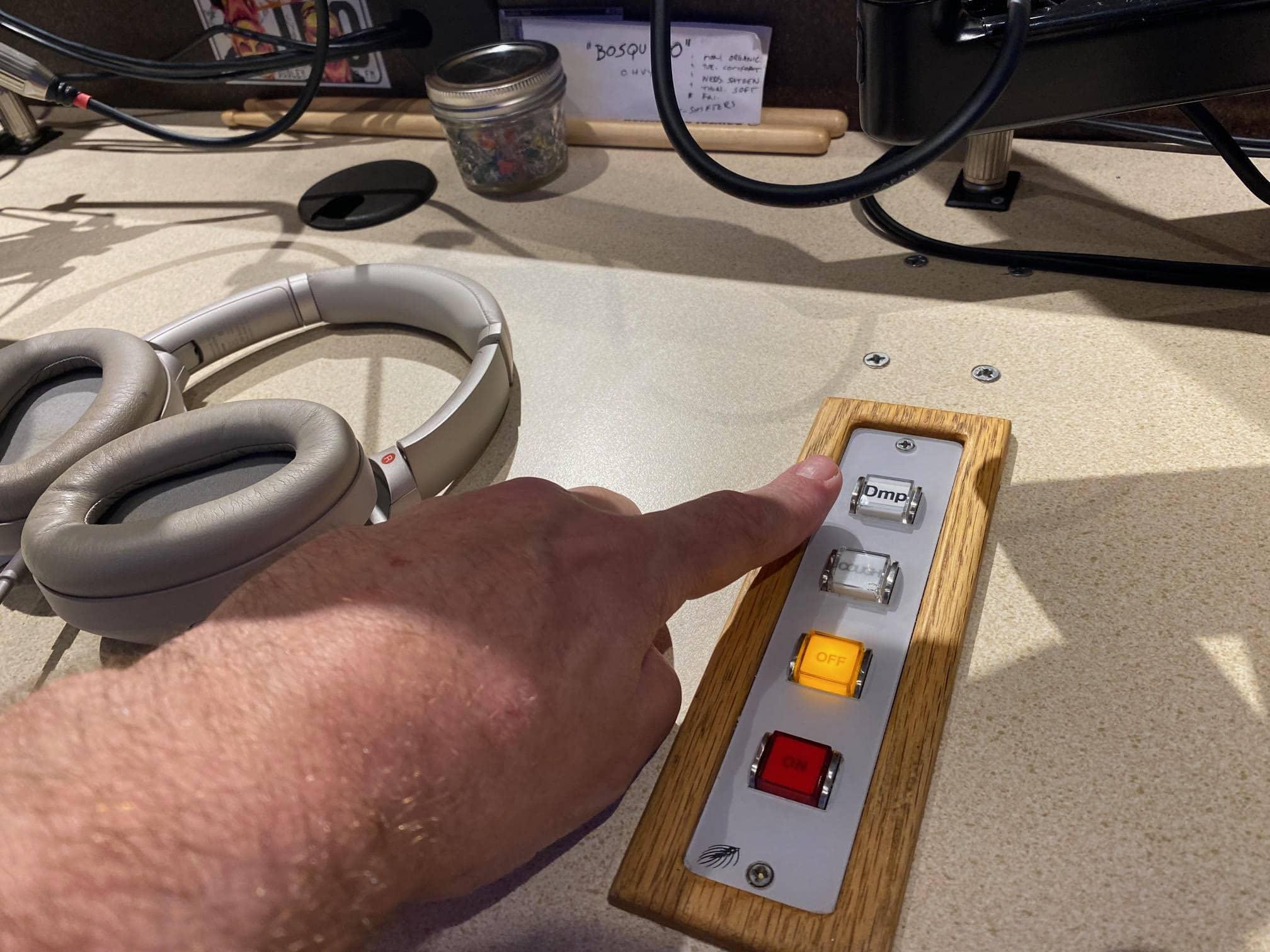 radio dump button