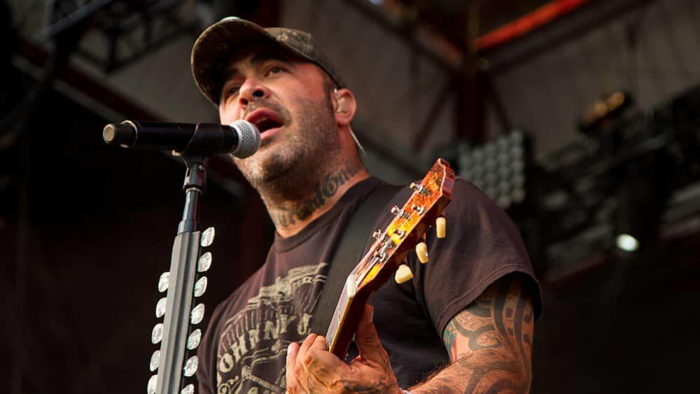 Staind's Aaron Lewis launching full band solo tour this fall