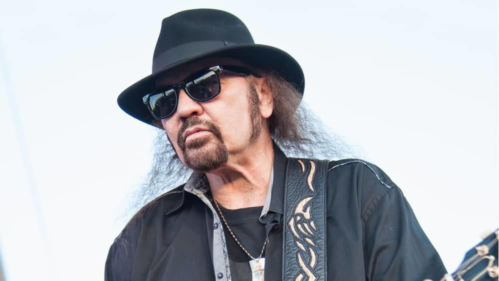 Lynyrd Skynyrd guitarist Gary Rossington recovering from emergency heart surgery