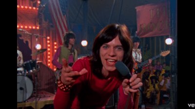 rolling stones singing on stage