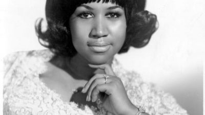 Photo of Aretha FRANKLIN; Posed portrait of Aretha Franklin