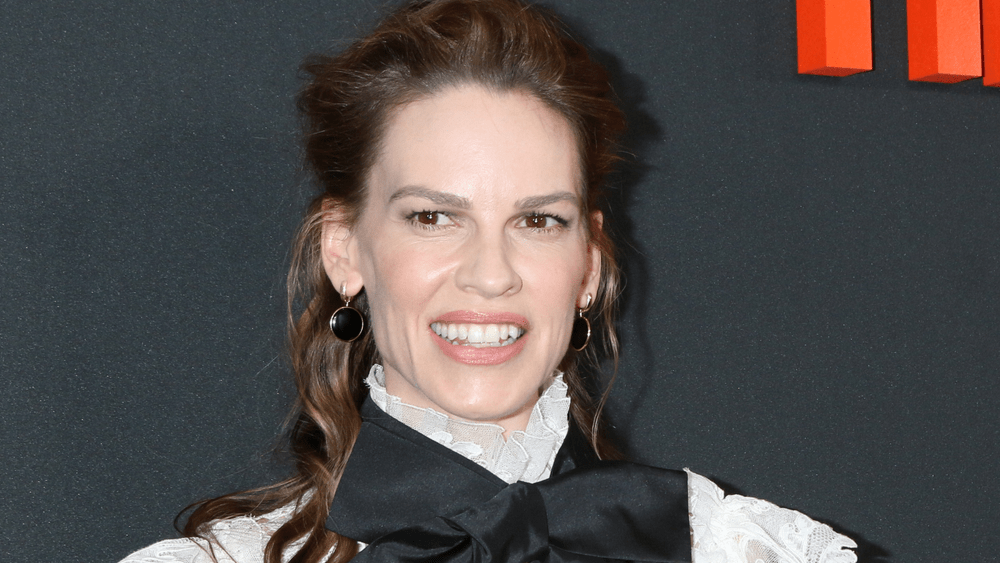 "Check Out The Teaser For Hilary Swank's Netflix Series ""Away"""
