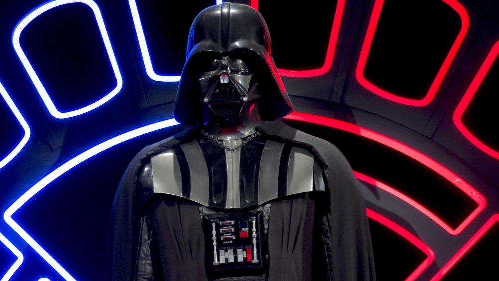 David Prowse, Original Darth Vader in 'Star Wars,' Dead at 85