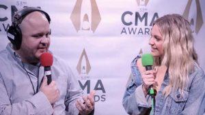 Kelsea Bellerini talks with Ryan Wild at the CMA Awards