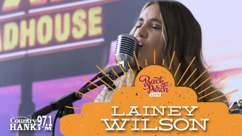Lainey Wilson headshot