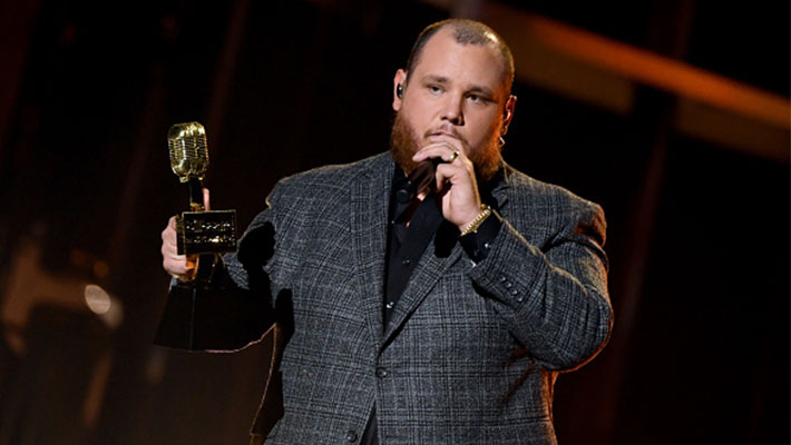 Luke Combs accepting an award at the 2020 Billboard Music Awards