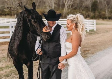 Jon Pardi and wife with horse