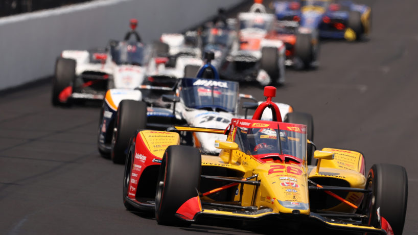 Indy 500 race cars racing