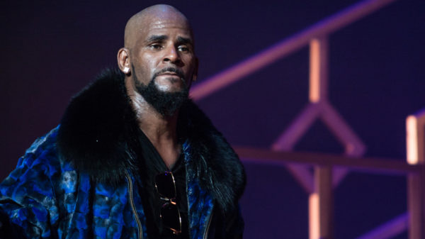 R,Kelly,Performs,On,Stage,At,The,Fox,Theater,On