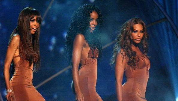"Destiny's Child performs ""Cater 2 U"""