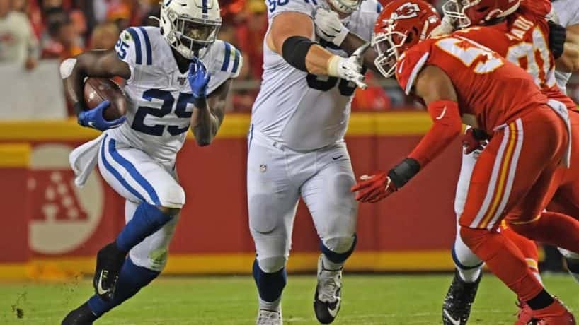 Colts running back Marlon Mack takes off for a run in a game against the Chiefs.