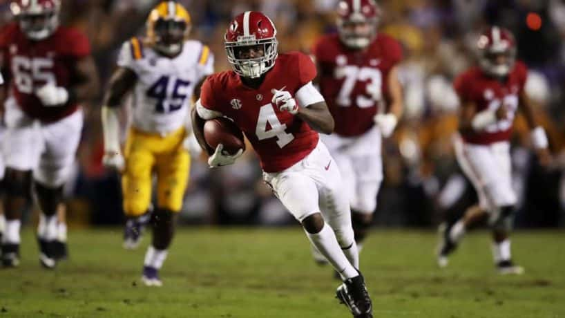 Alabama wideout Jerry Jeudy breaks into the openfield during a 2018 game against LSU.