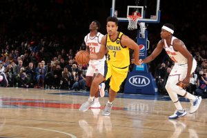 Pacers guard Malcolm Brogdon drives towards the basket in a 2020 game against the Knicks.