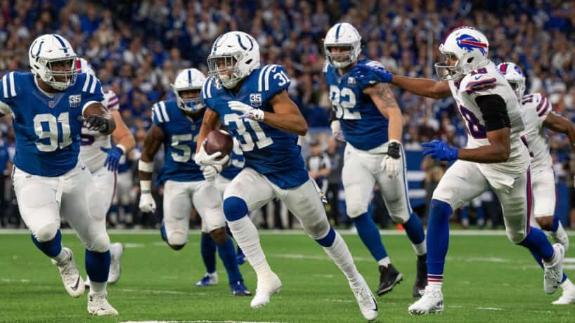 Colts cornerback Quincy Wilson returns an interception against the Bills in 2018.