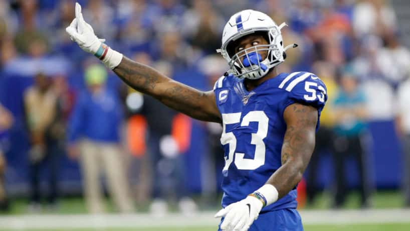 Colts linebacker Darius Leonard wags his finger in 2019.