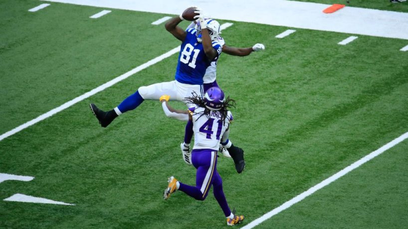 Colts TE-Mo Alie-Cox makes a grab in Week Two.
