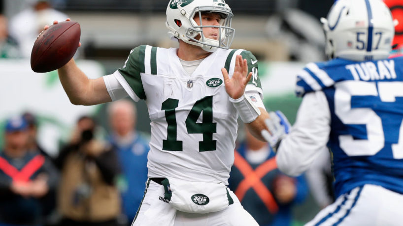 Jets quarterback Sam Darnold throws in a game against the Colts.