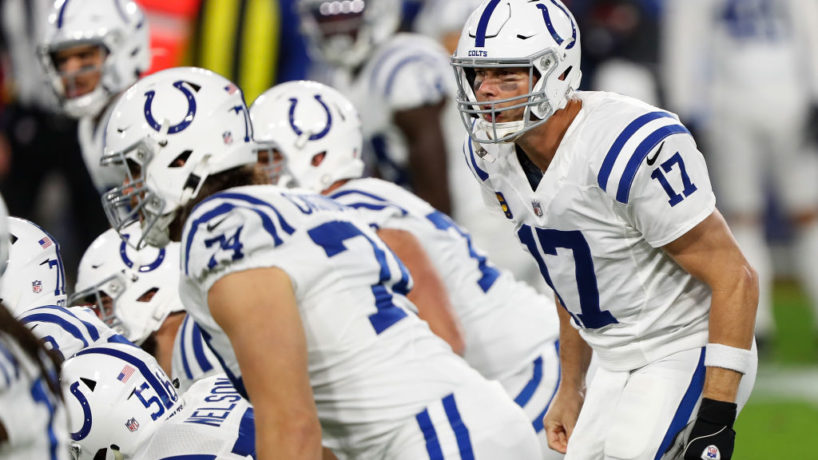 Colts QB-Philip Rivers gets up to the line of scrimmage before a play.