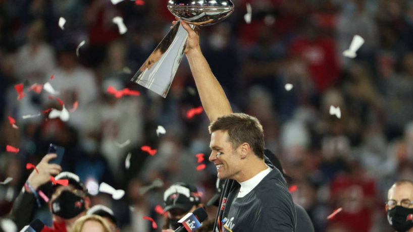 Tom Brady lifts the Lombardi Trophy following Tampa Bay's 31-9 victory over Kansas City