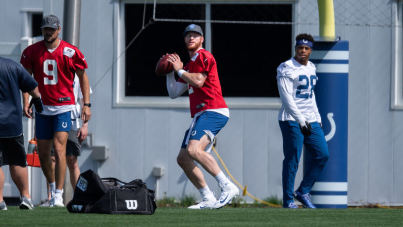Colts QB-Carson Wentz throws in practice.