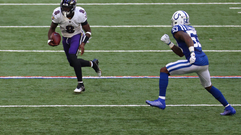 Darius Leonard chasing Lamar Jackson