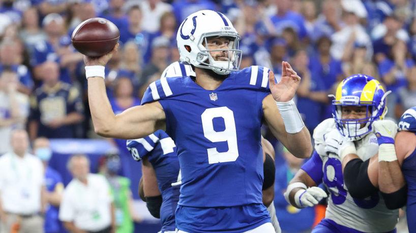 Colts QB-Jacob Eason gets ready to throw.