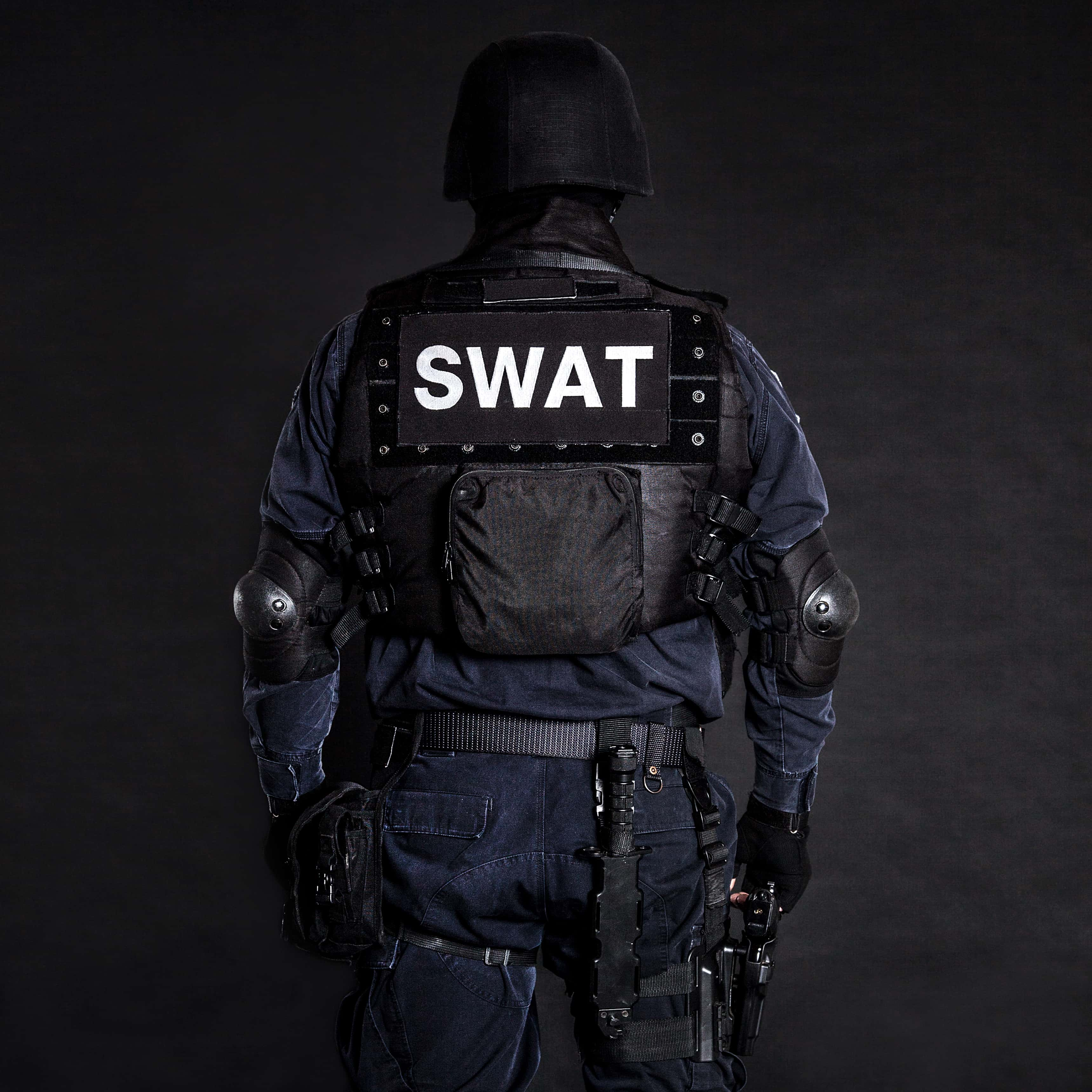 Southeast Austin SWAT standoff ends in arrest