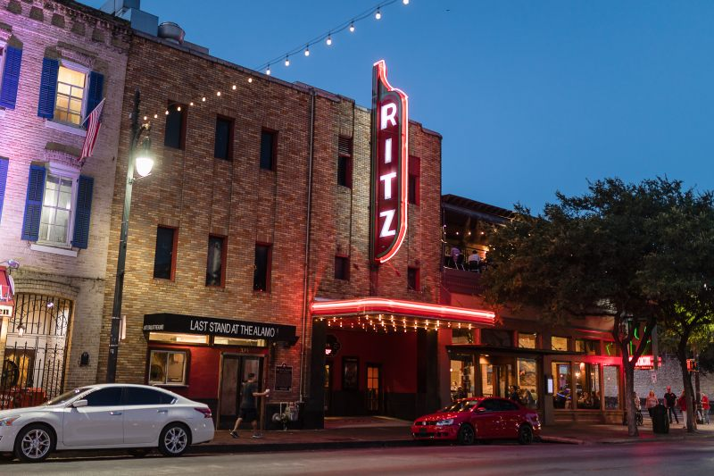 Alamo Draft House files for bankruptcy