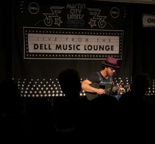 amos lee in the dell music lounge