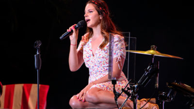 Lana Del Rey Announces New Album 'Blue Banisters'