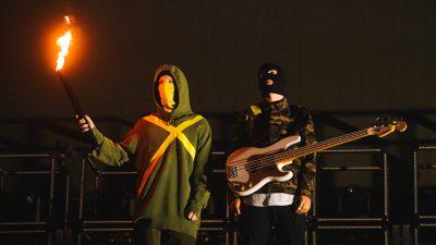 osh Dun and Tyler Joseph of Twenty One Pilots perform at Staples Center on November 01, 2019 in Los Angeles, California.