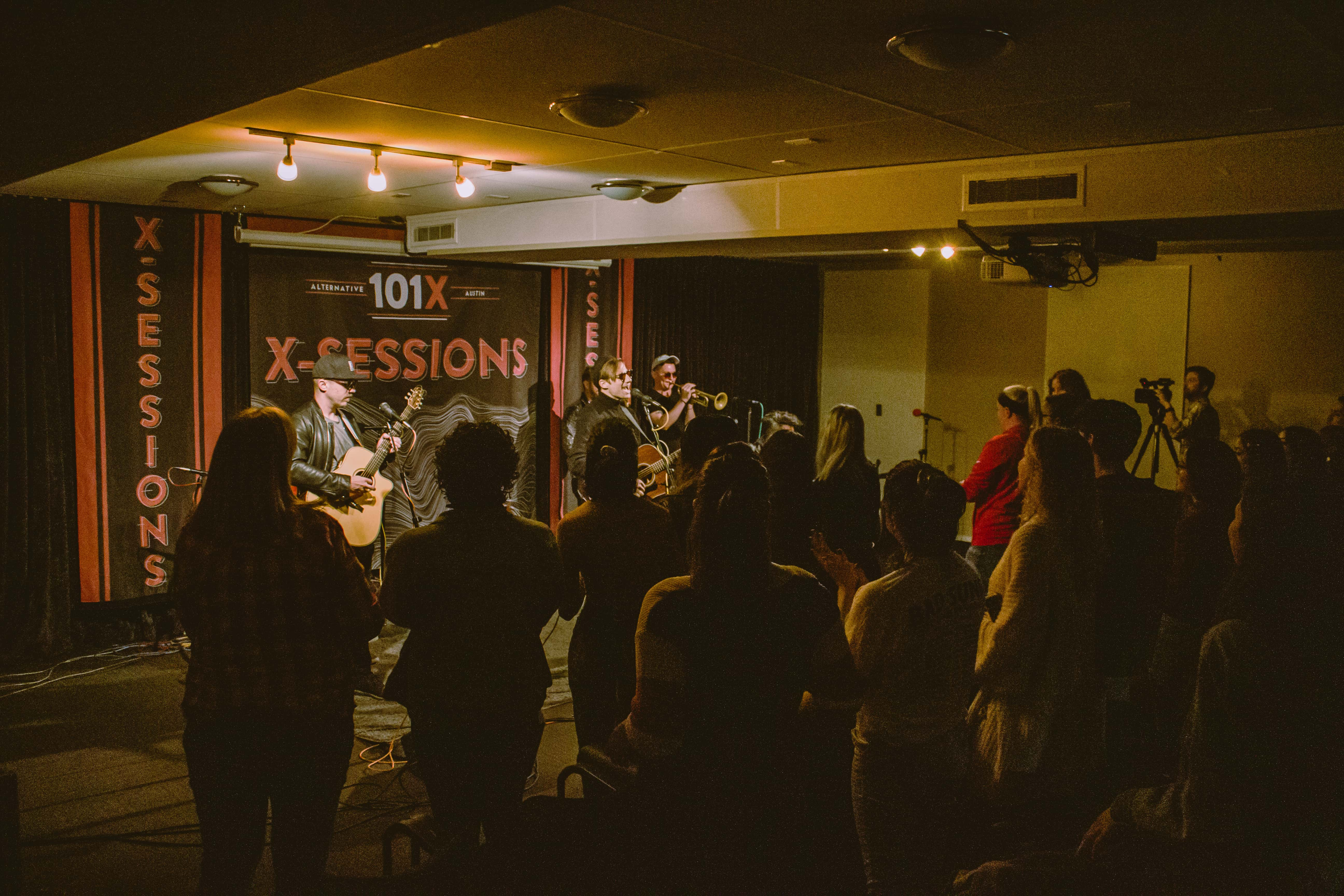 Crowd during 101X-Session with Saint Motel