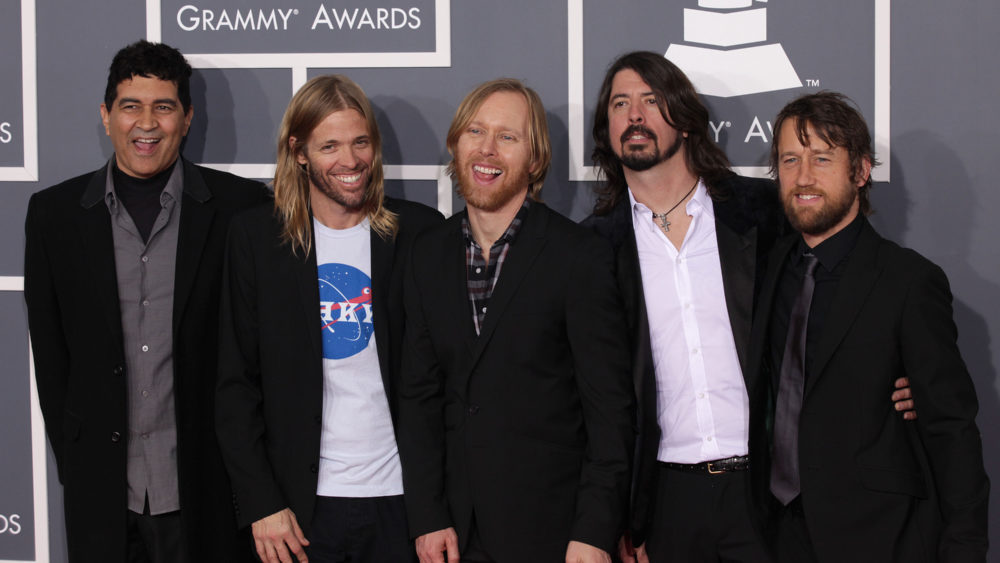"""Foo Fighters Share New Track """"Waiting On A War"""""""