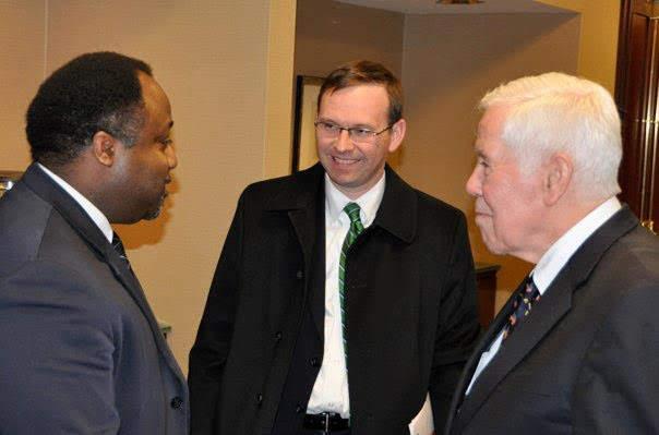 Abdul chats with former U.S. Senator Richard Lugar