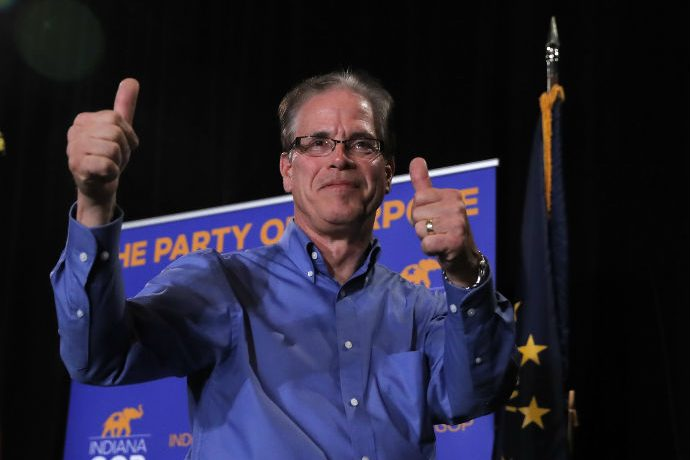 Mike Braun gives thumbs up after election win