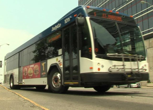 An IndyGo bus in motion on the streets of Indy. Photo by RTV6.