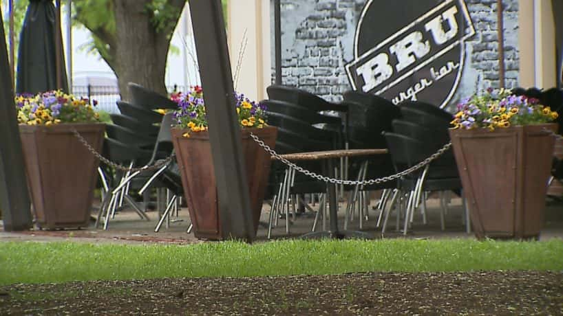 Indianapolis restaurants getting out tables and chairs
