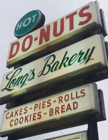 longs donut sign