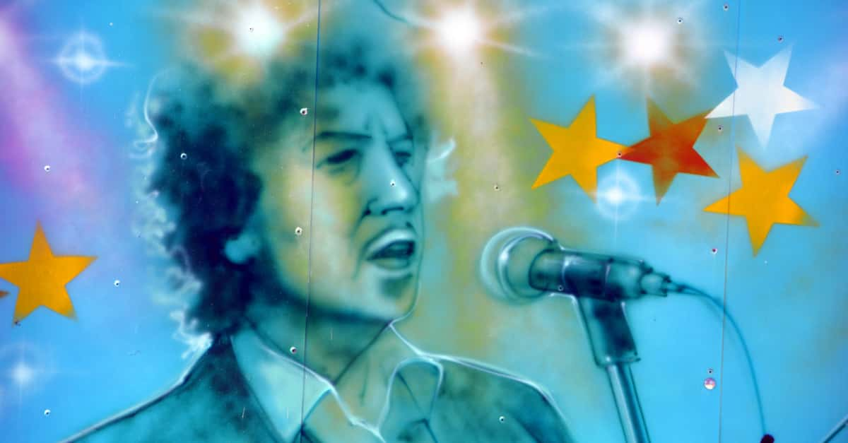 Video: Bob Dylan and Neil Young duet..