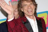UPDATE: Just another walk in the park for Mick Jagger!